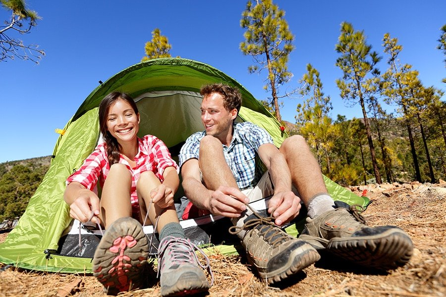 couples-camping