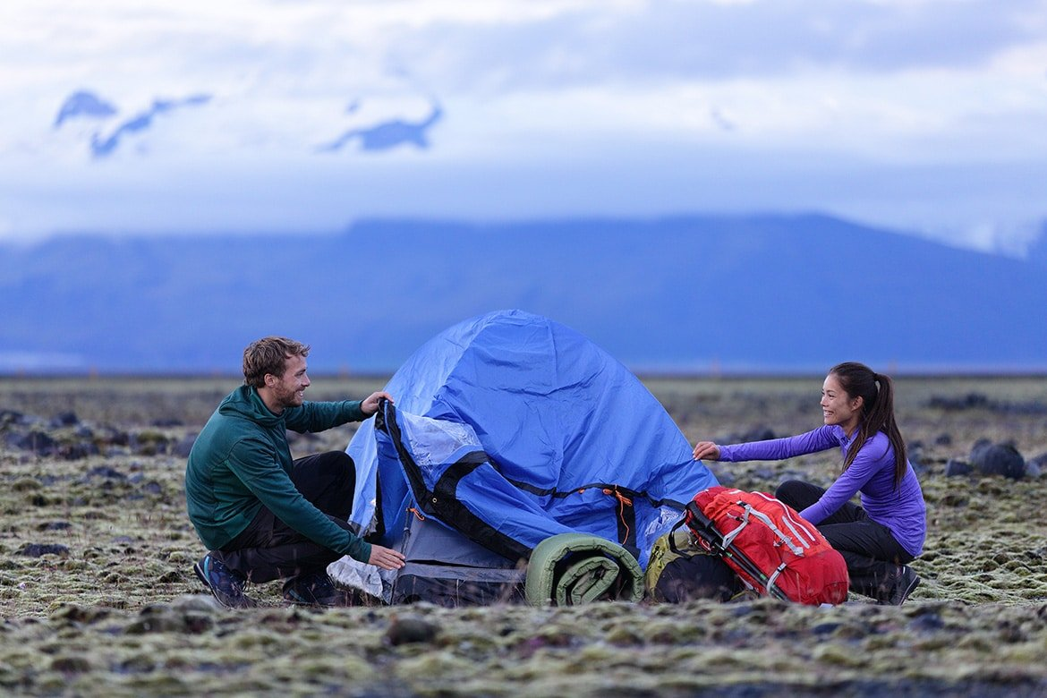 13 Ridiculously Romantic Camping Ideas For Couples ...