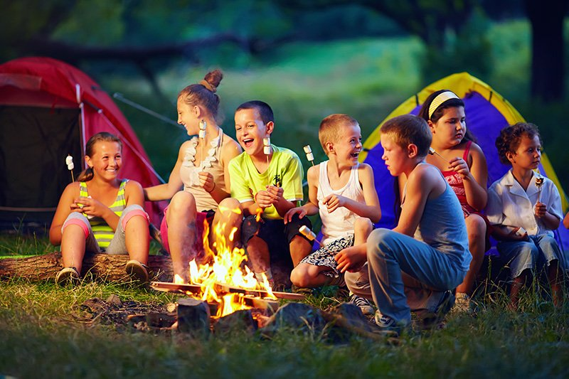 Group-Of-Happy-Kids-Roasting-MASHMALLOW